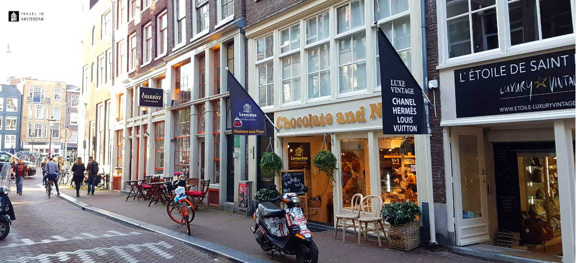 A chocolate store in one of the 9 straatjes in Amsterdam